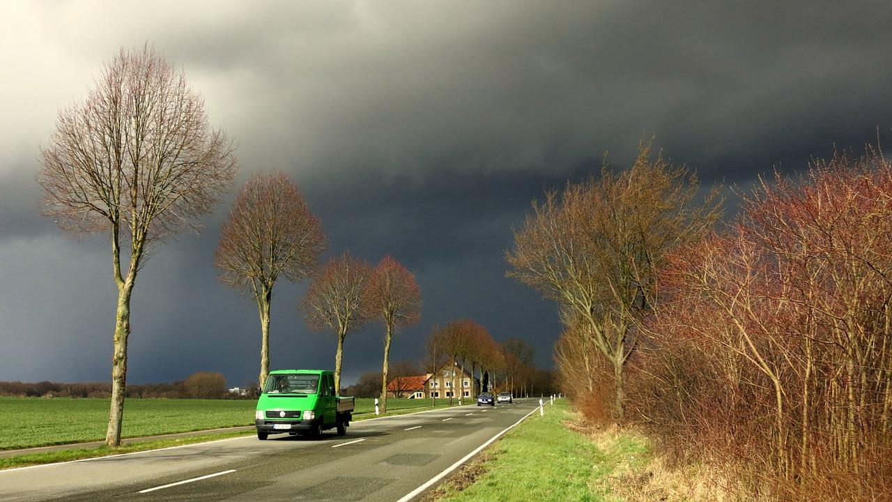 Autoschade door storm
